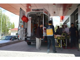 Ağrı'da Trafik Kazası; 9 Yaralı