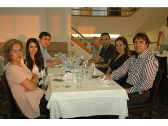 İhlas Medya Ankara Grubu Çalışanları İftarda Bir Araya Geldi