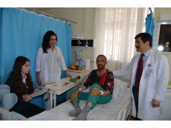 Öğrencilerden Hastalara Okuma Saati