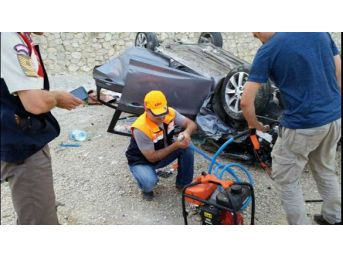 Bartın'da Otomobil Şarampole Devrildi: 4 Yaralı