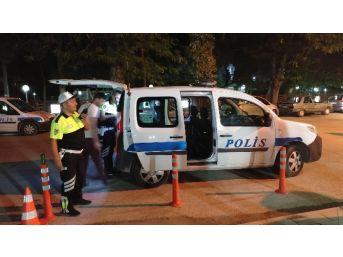 Burdur Polisi'nden Gece Uygulaması
