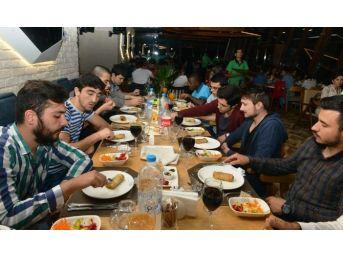 Yabancı Öğrenciler Orucunu Nilüfer'de Açtı