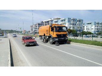 Lapseki'de Kara Yolları Bakım-onarım Çalışması