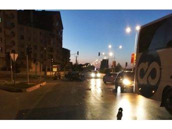 Sungurlu'da 3 Ayrı Trafik Kazası : 4 Yaralı