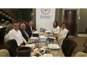 Başkan Keleş, Evsad'ın Düzenlediği İftara Katıldı