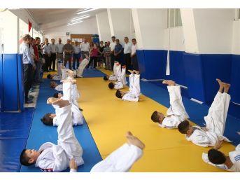 Trakya Üniversitesi'nden Spor Tesisleri Açılışı