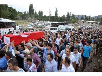 Bitlis Şehidi Son Yolculuğuna Uğurlandı