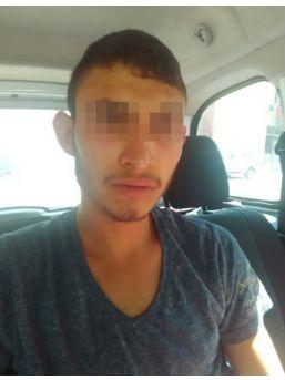 İzmir'de Taksiciyi Gasp Eden Şüpheli Yakalandı