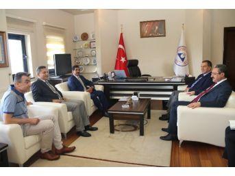 King Hamad Üniversitesi Hastanesi Direktörü General Salman'dan, Rektör Güven'e Ziyaret