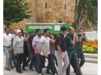 Antalya'da Hayatını Kaybeden Bilgisayar Uzmanı Kırşehir'de Toprağa Verildi