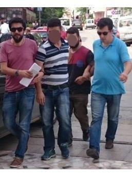 Kendilerini Savcı Ve Polis Olarak Tanıtan Dolandırıcı Kardeşler Yakalandı