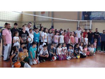 Gediz'de 9 Dalda Yaz Spor Okulu