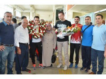 (özel Haber) Dünya Şampiyonu Mardin'e Döndü