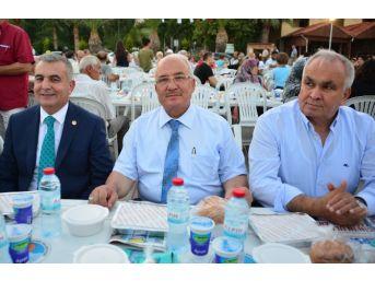 Büyükşehir Belediyesi Erdemlililer İçin İftar Sofrası Kurdu