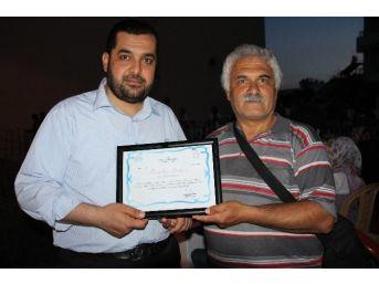 Müftü Aktoprak'tan İha Muhabiri Çelik'e Teşekkür Belgesi