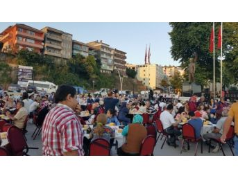 Alaplı'da 2 Bin 500 Kişi Sokakta İftar Açtı