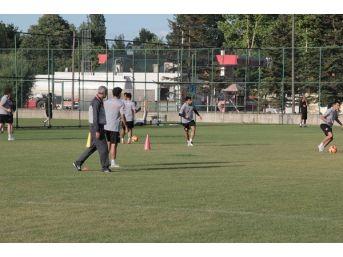 Teknik Heyet Ve Futbolculara, Dünya Adanasporlular Gününü Bolu'da Kutladı