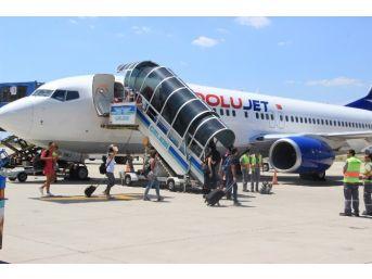 Tatilciler Hava Yoluna Büyük İlgi Gösterdi