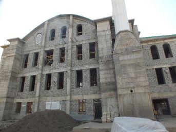 1071 Kümbet Camii İçin Yardım Bekleniyor