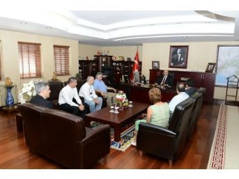 Adana Çiftçiler Birliği Yönetimi, Vali Demirtaş'ı Ziyaret Etti
