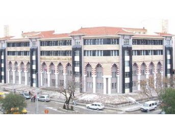 Kuşadası Adliyesi'nde Görev Yapan 1 Savcı Ve 3 Hakim Açığa Alındı
