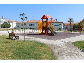 Kuşadası'nda Hacıfeyzullah Mahallesi'ne Yeni Park
