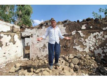 (özel Haber) Bölgedeki Çatışmalardan İkinci Kez Evleri Yıkıldı