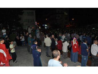 Simavlılar Darbe Girişimine Karşı Sokağa Döküldü