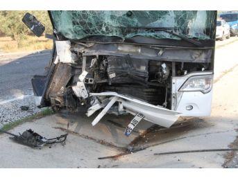 Milas'ta Trafik Kazası: 1 Ölü 3 Yaralı