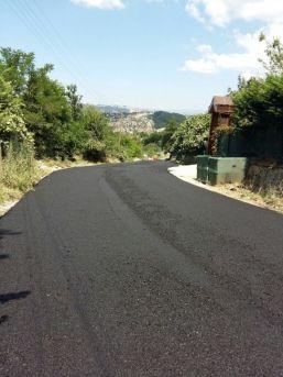 Sapanca'nın 2 Mahallesine Asfalt Dökülmeye Devam Ediyor