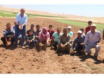 Sulama Yapamadıklarını İddia Eden Çiftçiler Eylem Yaptı