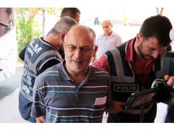 Adana'da Gözaltına Alınan 17 Polis Adliyeye Sevk Edildi