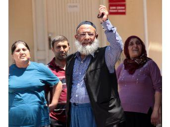 Vatandaşlardan Gözaltına Alınan Polislere Tepki Gösterdi
