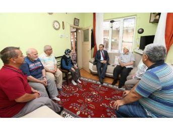 Vali Işık'tan Demokrasi Şehidi Özsoy'un Ailesine Taziye Ziyareti