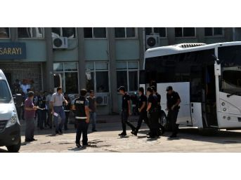 Aydın'da Hakim Ve Savcıların Adreslerinde Delil Niteliğinde Eşyalar Ele Geçirildi