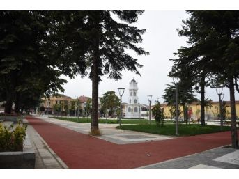 Düzce Lisesi Parkı 'açıldı Gibi'