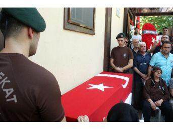 Keşan, Türk Bayraklarıyla Şehidini Son Yolculuğuna Uğurladı