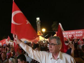 Prof. Dr. Kumanlıoğlu Halkla Beraber Demokrasi Nöbetinde