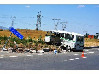 Seydişehir'de Trafik Kazası: İki Yaralı