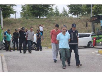 Sakarya'da Darbe Teşebbüsünde Bulunan 45 Asker Adliyeye Sevk Edildi