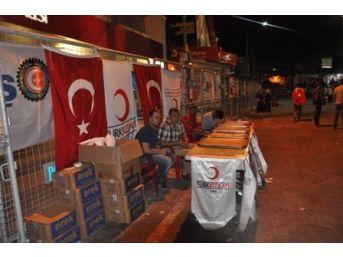 Kızılay'dan Demokrasi Nöbetçilerine Gıda Desteği