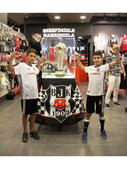 Şampiyon Beşiktaş'ın Kupası Van'da