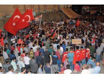 Çelikhan'da Demokrasi Yürüyüşü Düzenlendi