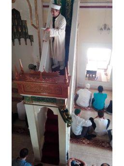 Cuma Hutbesinde Din İstismarcılarına Dikkat Çekildi