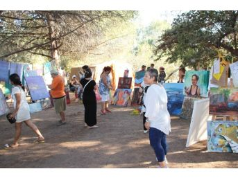 Didim'de Resim Çalıştayı Katılımcıları Belgelerini Aldı