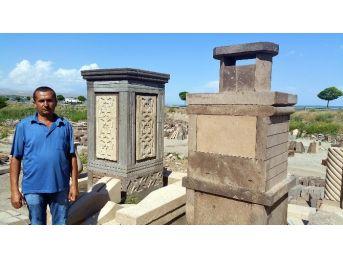 Ahlat'ta İşlemeli Mezar Taşlarına Büyük İlgi