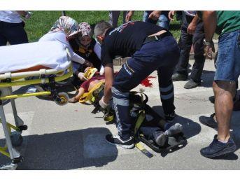 İnegöl'de Feci Kaza: 2 Yaralı