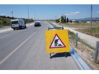 Bursa-izmir Kara Yolunda Bariyer Çalışması