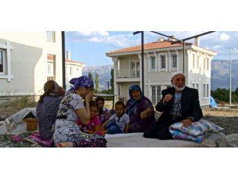 (özel Haber) Türkiye Ahıska Türklerine Kucak Açtı