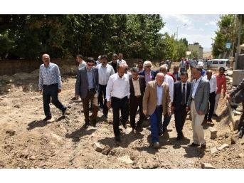 Başkan Sekmen, Hınıs'ta Çalışmaları İnceledi